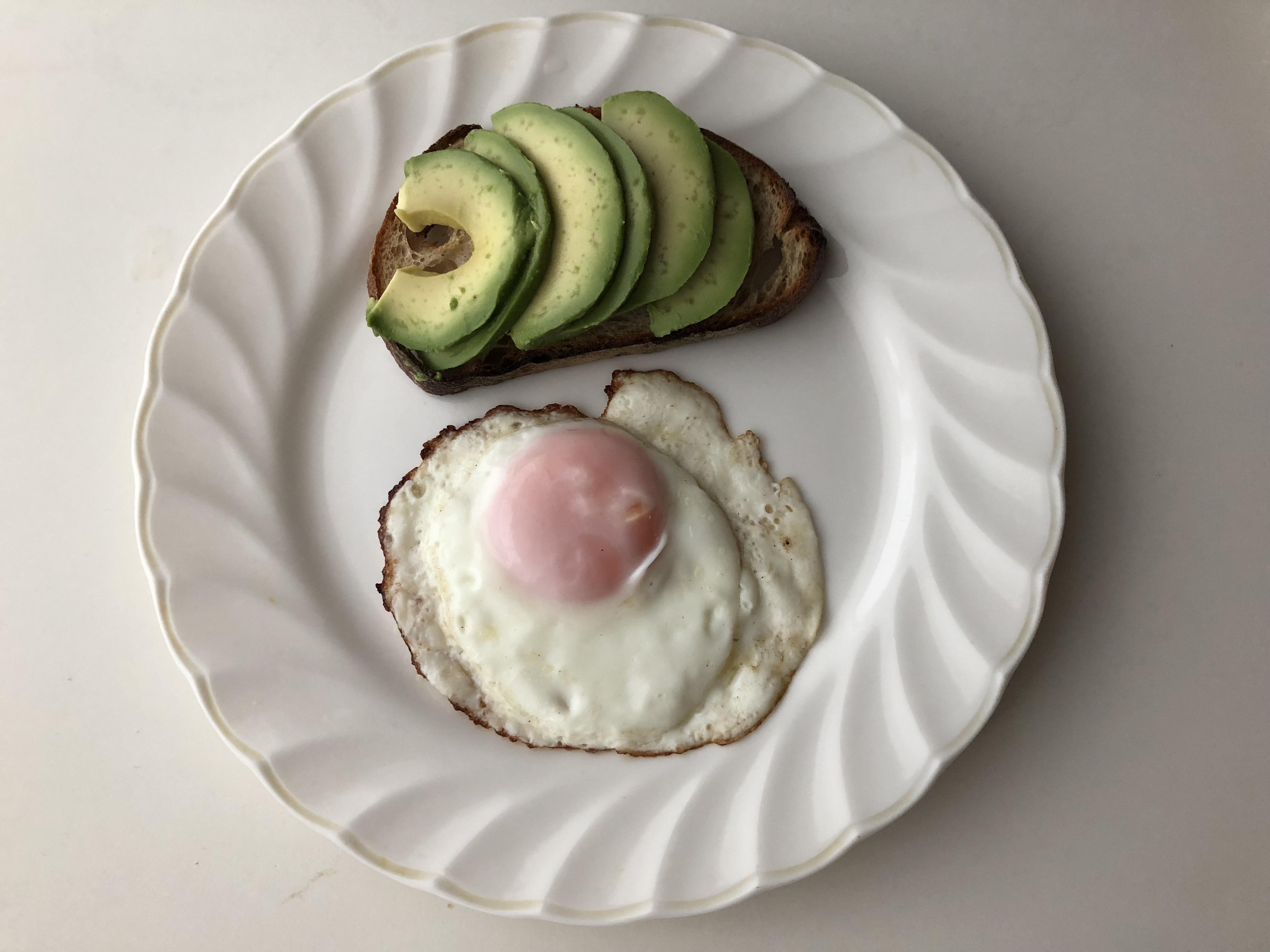 朝食にアボカドを食べてダイエット